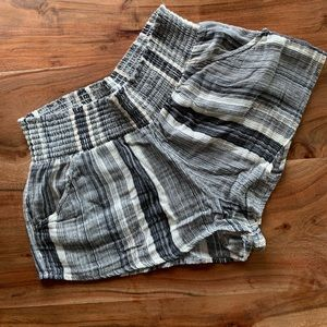 Billabong short striped shorts